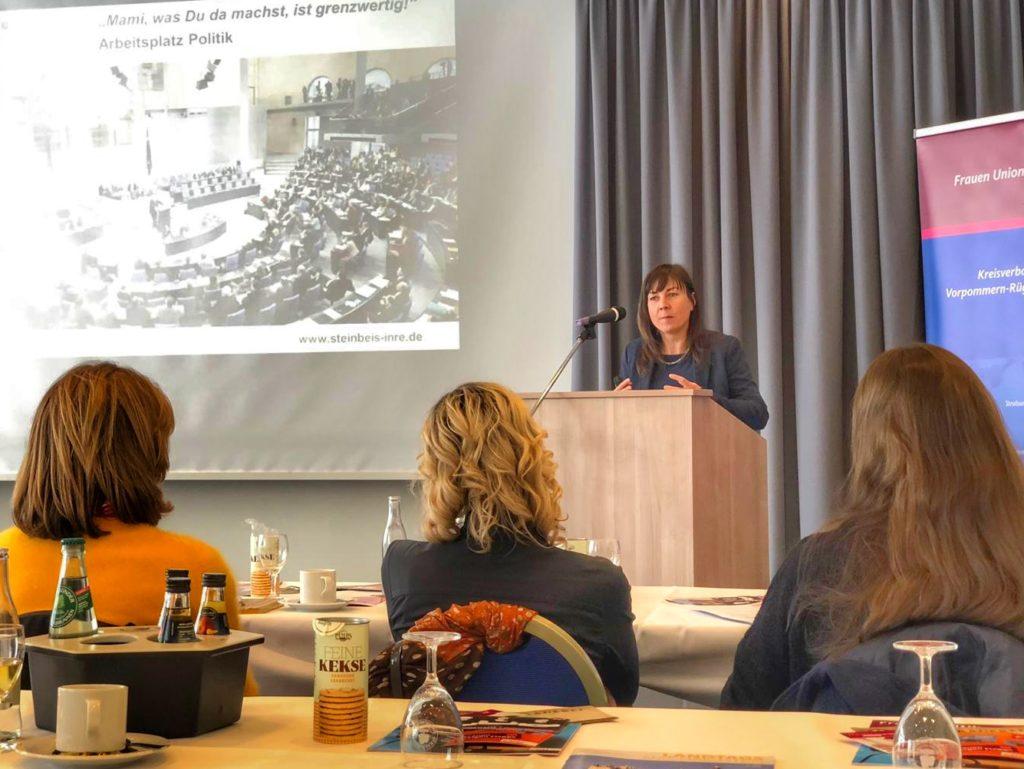 Vortrag vor Frauen der Frauenunion Vorpommern-Rügen zum Arbeitsplatz Politik und der Frage: Wie bekommen wir mehr Frauen in die Politik?