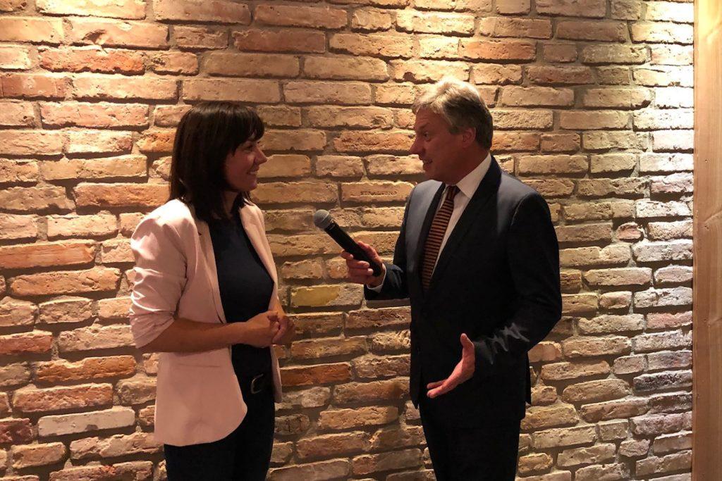 Claus Müller im Interview mit Katja Wolter